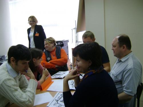"""Коммуникативная игра """"Строительство дороги"""" учит согласовывать цели подразделения с глобальными целями Компании с помощью игровой ситуации."""